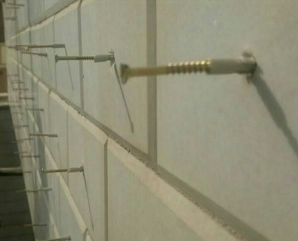 پیچ و رولپلاک نما به صورت طناب کار