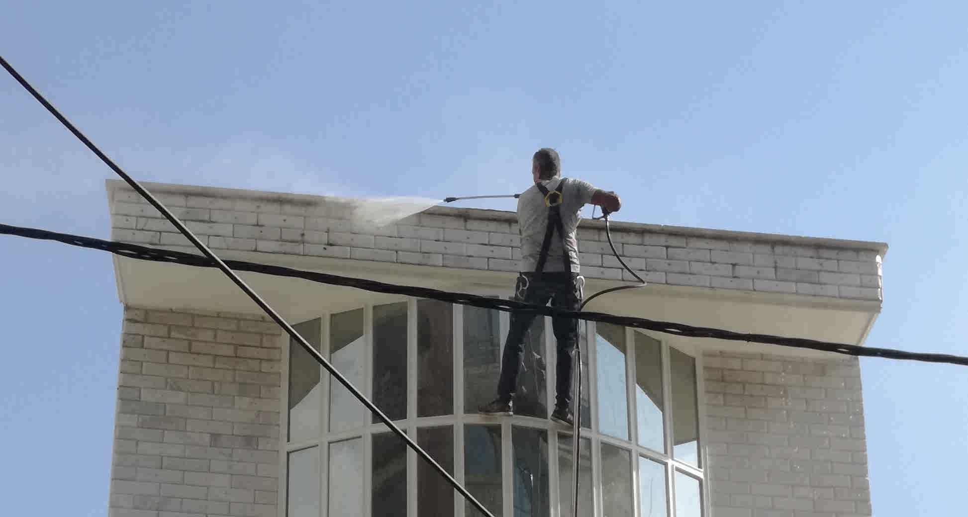 قیمت شستشوی نمای ساختمان با واترجت شستشوی نما با طناب در البرز کرج